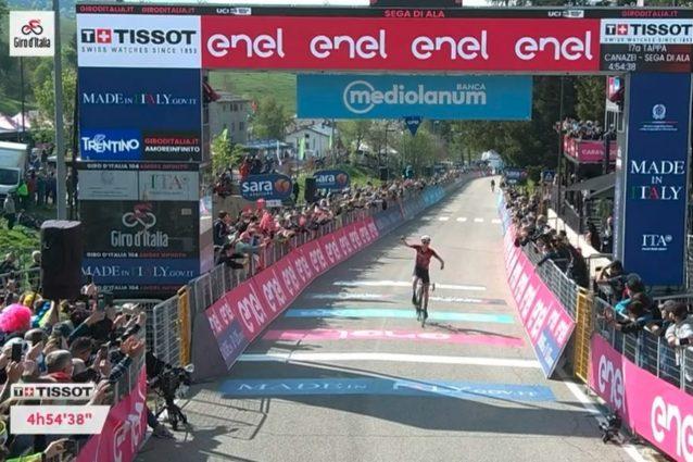 Schermata 2021 05 26 alle 17.09.11 638x425 - Daniel Martin vince la 17a tappa del Giro d'Italia, in difficoltà la maglia rosa Egon Bernal