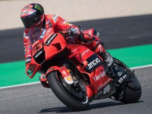 gara motogp oggi GP Italia Mugello 2021 orario partenza dove vedere TV streaming canale Sky Tv8 Dazn 300x225 - MotoGP 2021, oggi il GP del Mugello: a che ora e dove vederlo su TV8, Sky e DAZN