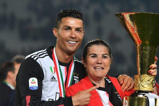 """image 2021 05 12T22 17 53 033Z 638x425 - La mamma di Cristiano Ronaldo vuole portarlo via dalla Juve: """"Parlerò con lui e lo convincerò"""""""
