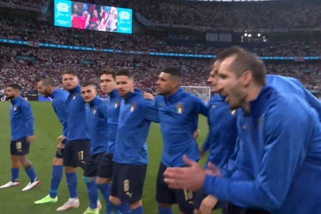 fischi inno italia reazione azzurri 638x425 - I tifosi inglesi fischiano l'inno dell'Italia: la reazione rabbiosa degli azzurri