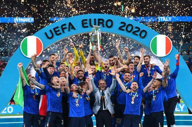 italia euro 2020 638x425 - Dove comprare e quanto costa la maglia dell'Italia agli Europei 2021