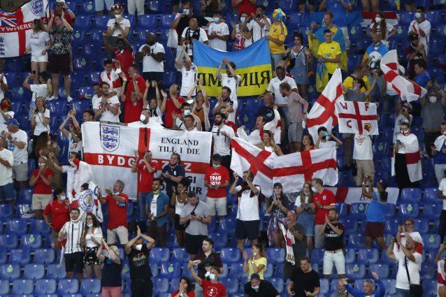 maglia 638x425 - Il diktat dell'Uefa: all'Olimpico vietate maglie di squadre diverse da Inghilterra e Ucraina