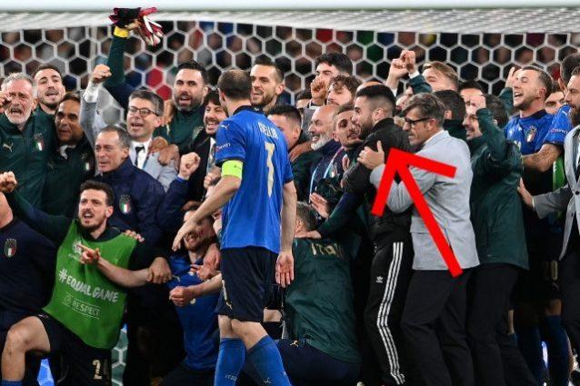 """tifoso invasore italia spagna 638x425 - Nella festa dell'Italia in campo a Wembley sbuca un infiltrato: """"E tu chi sei?"""""""
