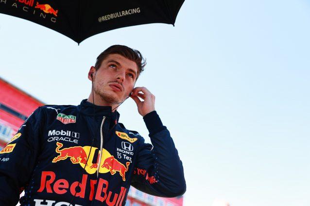 """verstappen silverstone torcicollo marko 638x425 - Verstappen, le sue condizioni dopo l'incidente di Silverstone: """"Ha ancora problemi al collo"""""""