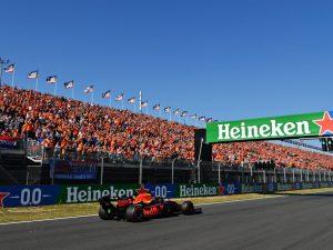 GettyImages 1338257177 300x225 - Verstappen in pole nel GP d'Olanda di Formula 1. Ferrari in terza fila con Leclerc e Sainz