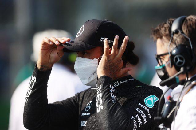 """GettyImages 1339671677 638x425 - Hamilton fa autocritica e lancia Verstappen: """"Ho sbagliato tutto, Max vince facile a Monza"""""""