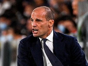 "allegri juventus milan 300x225 - È crisi Juve, allo Stadium l'impietoso coro dei tifosi del Milan: ""Tornerete in Serie B"""