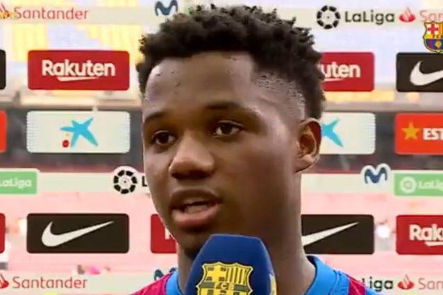 """ansu fati 1 1632758257522 638x425 - L'intervista di Ansu Fati lascia attoniti i tifosi del Barcellona: """"È quella voce, è posseduto"""""""