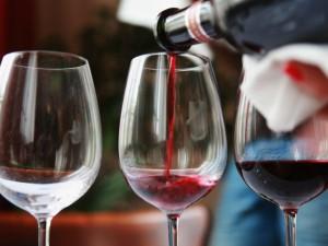 Borgo Priolo, il vino è troppo caro: scoppia la rissa nel ri