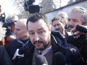 """Reddito di cittadinanza in Lombardia, c'è il sì anche di Salvini: """"Ma solo agli italiani"""""""