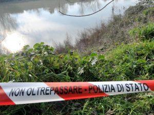 Abbiategrasso, ragazzo di 20 anni muore annegato in un canale: a trovare il corpo i genitori