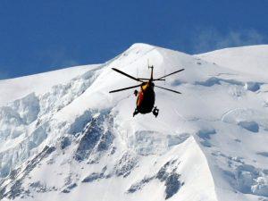Incidente in montagna, due escursionisti precipitano al passo della Presolana: morti