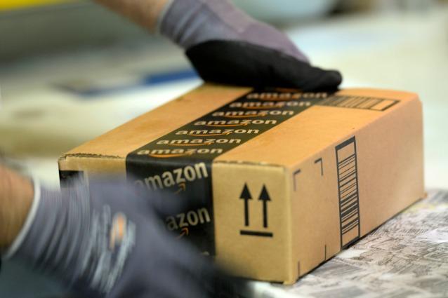 Scioperano i lavoratori della filiera di Amazon in Lombardia