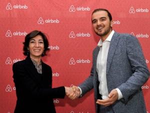 Milano, Airbnb pagherà la tassa di soggiorno: accordo col Comune