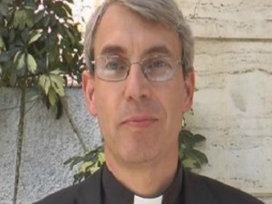 Il vescovo di Pavia, monsignor Corrado Sanguineti
