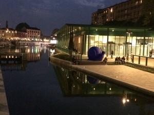Milano, da domani vietato vendere o introdurre bottiglie di vetro e lattine in Darsena