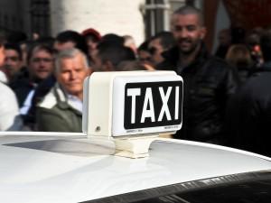 Sciopero dei taxi a Milano martedì 21 novembre: info e orari
