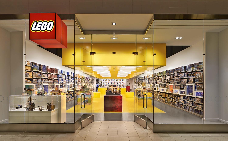 Arese il 14 aprile apre il primo negozio ufficiale lego d for Centro commerciale campania negozi arredamento