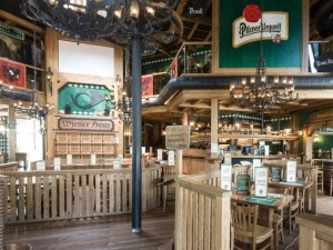 Arese, nel centro commerciale più grande d'Europa apre il ristorante Wiener Haus
