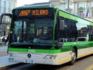 Un autobus pubblico milanese (Archivio)