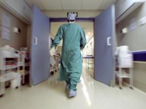 Meningite, nuovo caso nel Milanese: colpito un 49enne trovato svenuto in casa, è grave