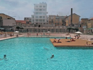 milano riapre la storica piscina caimi in via botta si chiama i bagni