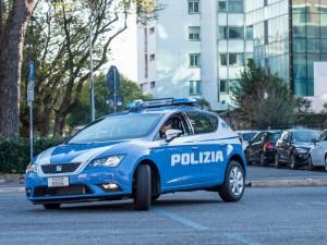 Bergamo, uccide a coltellate il patrigno e ferisce la madre: fermato un ragazzo