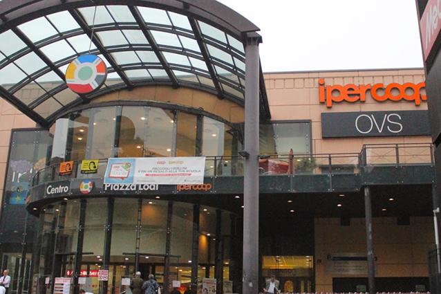 Centro commerciale piazzalodi come arrivare negozi e orari for Negozi arredamento milano centro