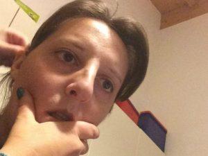 Saronno, oscurata pagina Facebook dell'infermiera: ma le foto dei figli sono sempre online