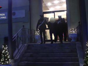 Si finge avvocato e raggira un'anziana 78enne: truffatore e complice arrestati a Milano