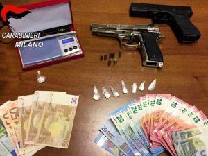 Pusher 18enne arrestato a Milano: in casa cocaina e due pistole senza tappo rosso