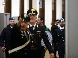 """Processo Corona, gli ex soci accusano: """"Fiumi di denaro in nero, anche 20mila euro a serata"""""""