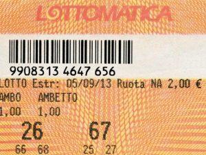 Varese, impiegato di banca ruba 400mila euro ai correntisti per giocare il 53 al lotto
