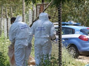 Milano, trovato il cadavere di un uomo in un parco: dormiva