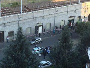 """Rissa tra profughi all'hub di via Sammartini a Milano: """"Situazione insostenibile"""""""