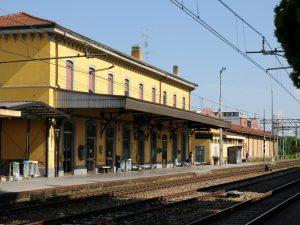 La stazione di Legnano (Foto di AlfaLancia via Wikipedia)