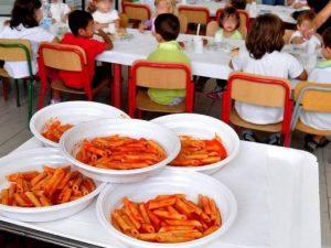 Sedriano, il Comune pronto a pignorare l'auto a chi non paga la retta della mensa scolastica