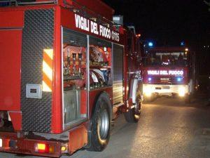 A fuoco un appartamento in via Candiani, a Milano: 4 intossicati
