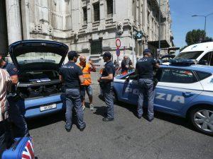 """Poliziotto accoltellato alla stazione Centrale di Milano, arrestato 31enne: """"Voglio morire per Allah"""""""