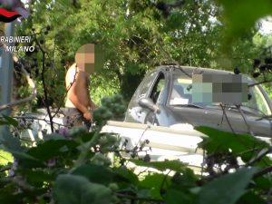 Droga nascosta nei campi alla periferia di Milano: due 28enni arrestati per spaccio