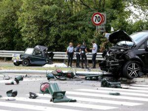 Incidente mortale a Milano tra van e auto d'epoca: muore sul colpo un ragazzo di 31 anni