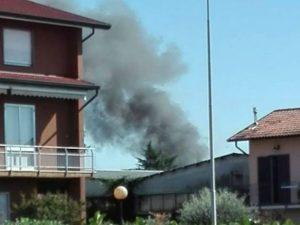 """L'incendio ad Abbiategrasso (dal gruppo Facebook """"Sei di Abbiategrasso se…"""")"""