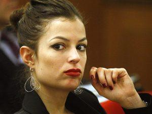 Fece assumere cocaina a Sara Tommasi per abusare di lei: Chinaglia a processo a Milano
