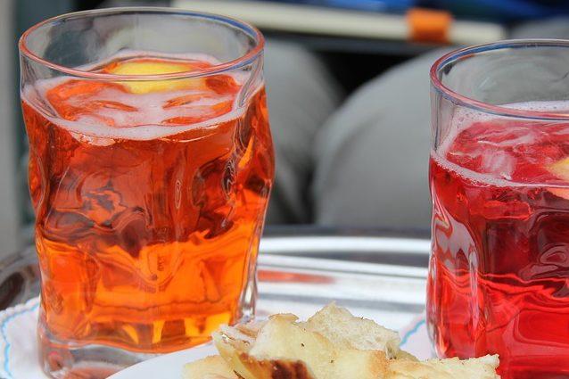 Spritz a milano sei tappe da bere tutto d 39 un fiato for Bicchiere da spritz