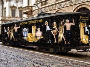 Un tram speciale per le vie di Milano: a bordo profumi, concorsi e musica