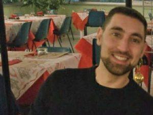 Le domande sulla morte di Andrea Vizzi, 33 anni, ucciso da un colpo di pistola in caserma