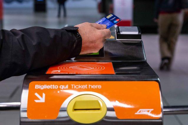 La metropolitana si potrà pagare con la carta