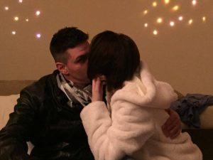 Manuel Buzzini, il ragazzo trovato impiccato sabato: la ragazza abbracciata a lui è Sara Luciani: è scomparsa da venerdì (Facebook)