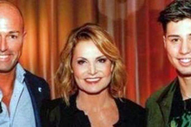 Simona Ventura con l'ex marito Stefano Bettarini e il figlio Niccolò