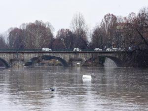 Allerta meteo Lombardia: il fiume Po fa paura nelle province di Cremona e Mantova